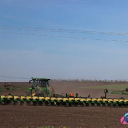 Вихідними стартувала посівна кампанія в агрофірмі «Вікторія»